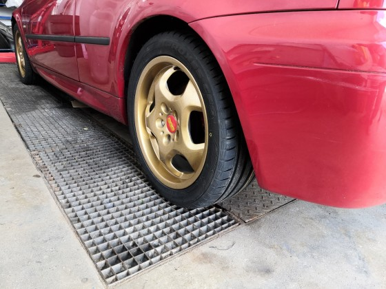 E46 compact imolarot mit Styling 23 in gold