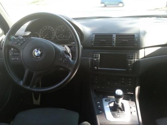 BMW 330i SMG Touring (3).jpg